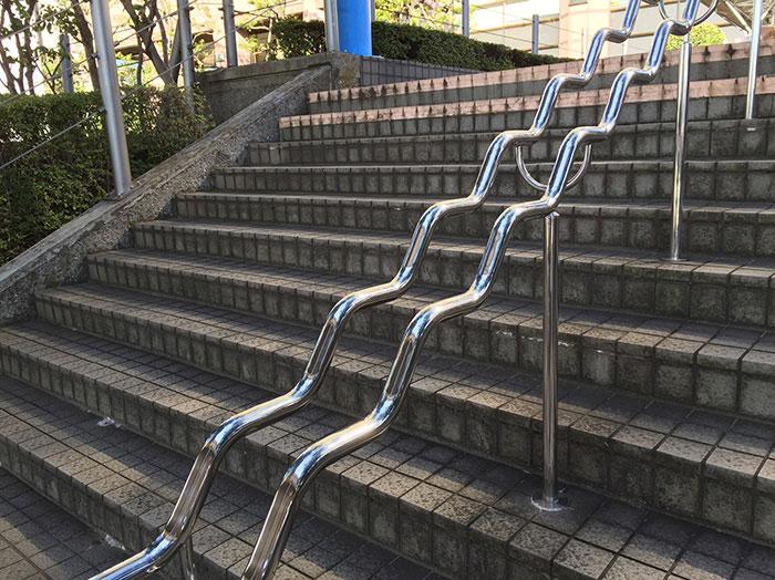 東京都内の階段と手すりについてのイメージ