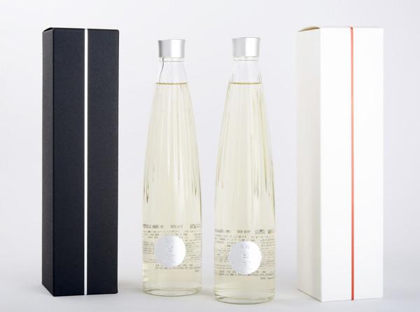 「黒松白鹿」デザイン・ボトルのイメージ